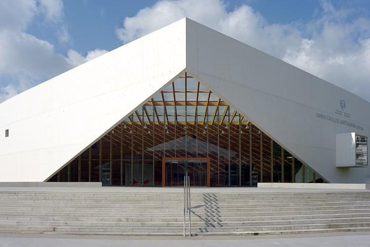 Centro de datos y biblioteca de la Universidad del País Vasco © Jorge Allende