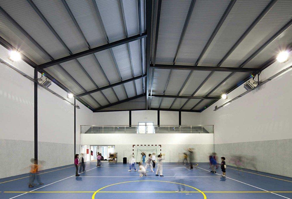 Galer a de centro escolar de paredes atelier nuno - Maison ribatejo y atelier nuno lacerda lopes ...