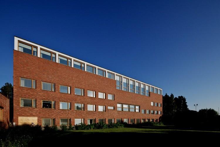 Cl sicos de arquitectura universidad jyvaskyla alvar for Piscina rigida rectangular