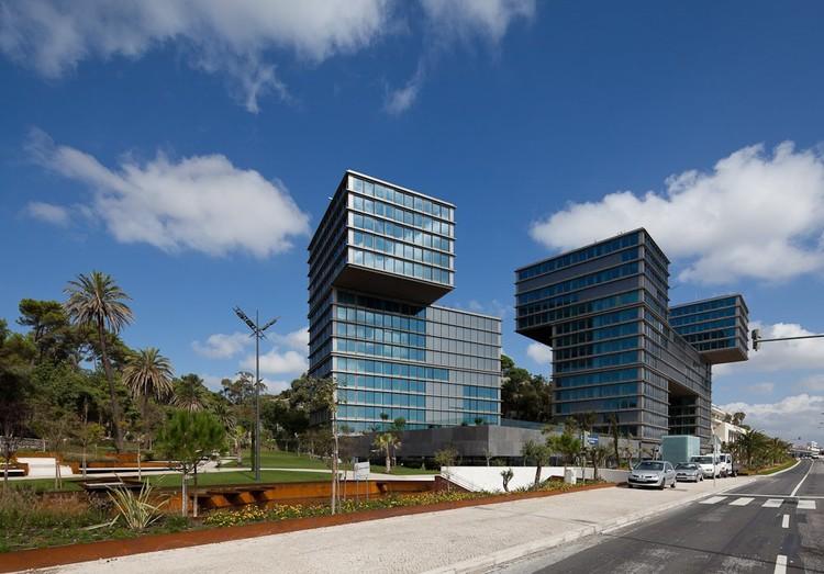Estoril Sol Residencia : Gonçalo Byrne Arquitectos © Joao Morgado