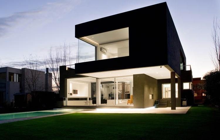 Casa Negra, Arq. Andés Remy © Alejandro Peral