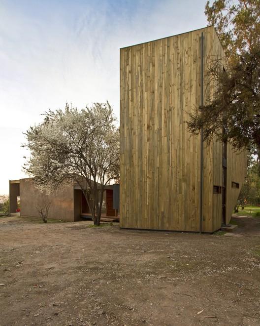 La Casa de Alejo, Pilar Silva, Peñalolén - © Aryeh Kornfeld