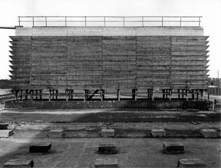 Bernd and Hilla Becker, torres de enfriamiento, 1973