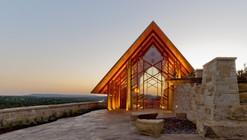 Capilla en Río Roca / Maurice Jennings + Walter Jennings Architects