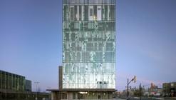 Escuela de Farmacia / Hariri Pontarini Architects