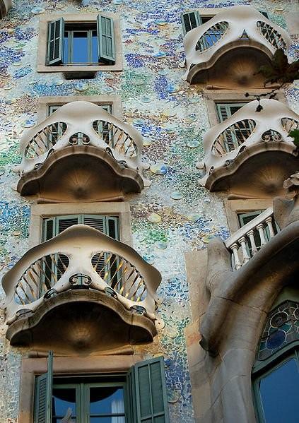 Cl sicos de arquitectura casa battl antoni gaud Art nouveau arquitectura