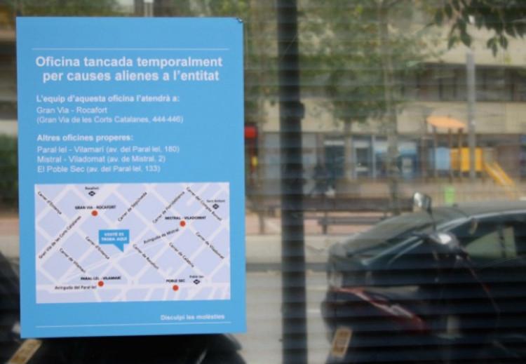 Oficina de Caja de Ahorros cerrada en Barcelona