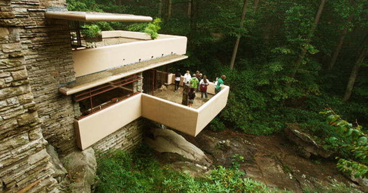 Fallingwater House - © rjpryanvia Flickr. Used under <a href='https://creativecommons.org/licenses/by-sa/2.0/'>Creative Commons</a>
