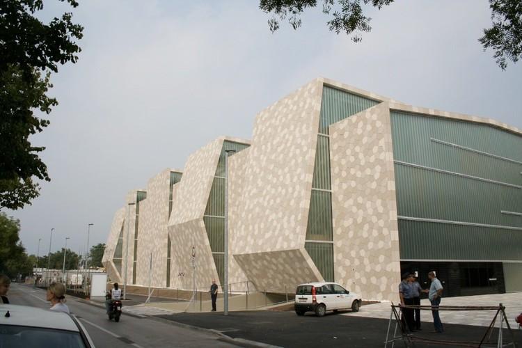 Centro Deportivo Zamet / 3LHD