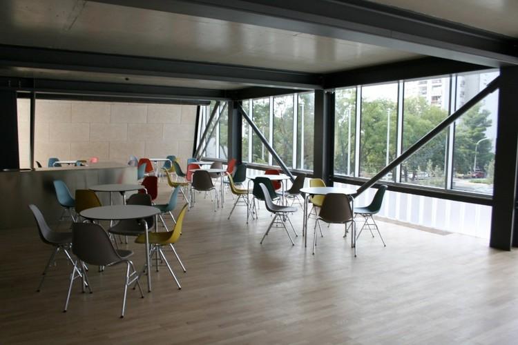 Cafetería Centro Deportivo Zamet / 3LHD
