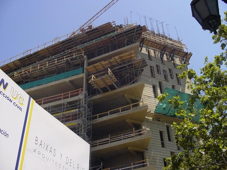 En Construcción: Patio Alameda UC / Baixas y Del Río Arquitectos