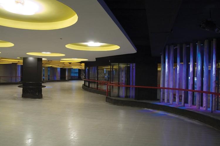 Interiores: Pista de Patinaje Cero Grados - Leniz + Moletto