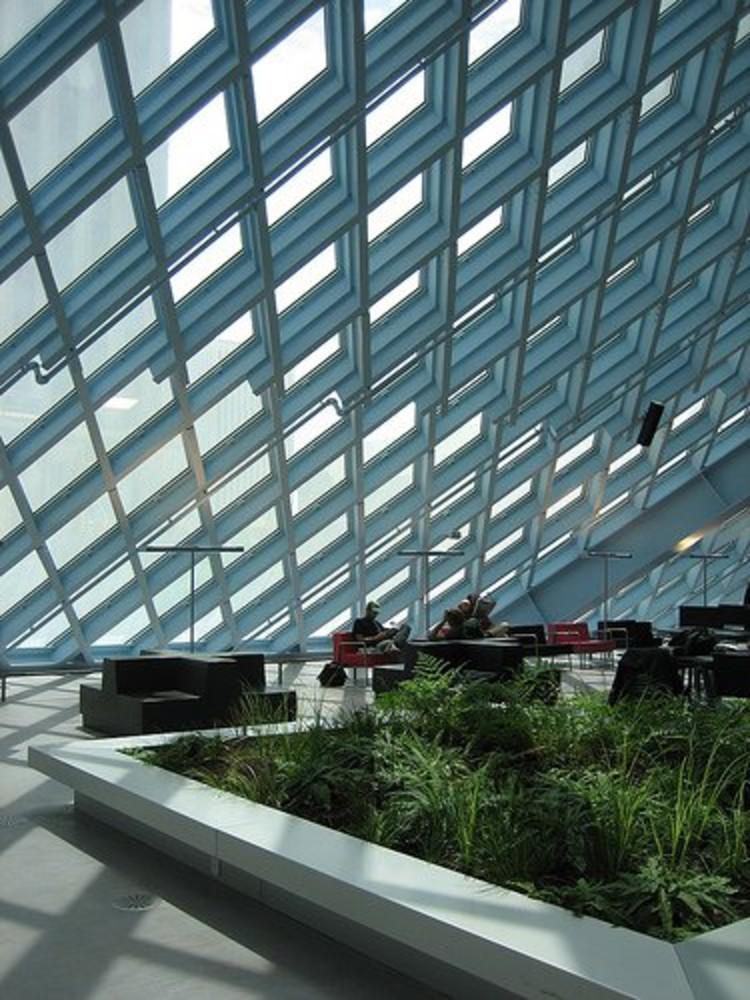 Jardines interiores Biblioteca Central de Seattle