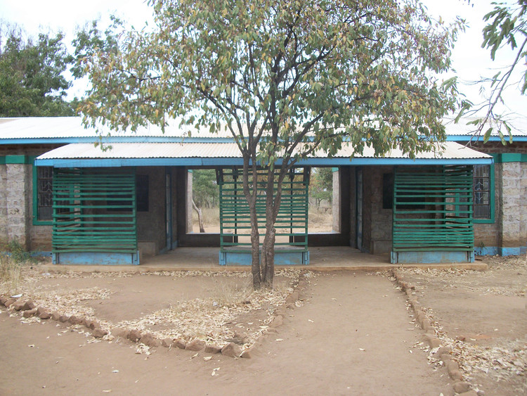 4 Classrooms in Southern Kenya. Built from local materials - assembled without power tools; Courtesy of Charles Newman of Afritekt