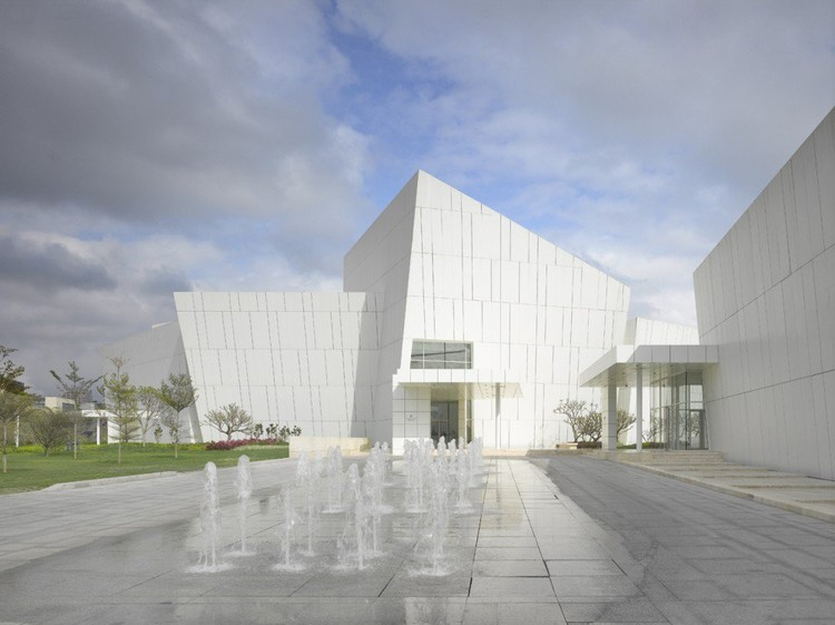 OCT Shenzhen Clubhouse / Richard Meier Architects