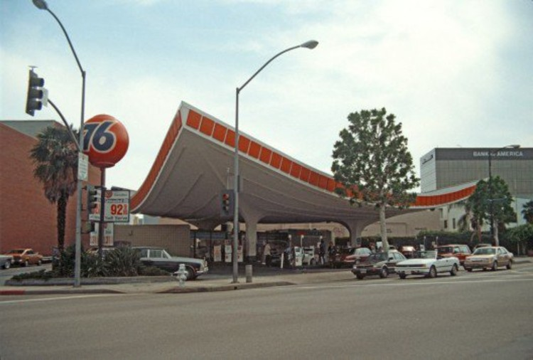 Googie Architecture: Futurism Through Modernism