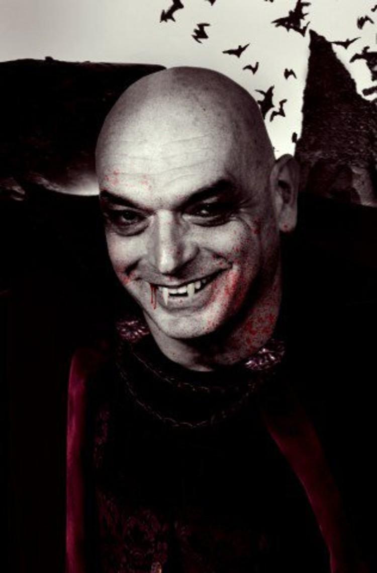 Jean as Dracula © Building Satire