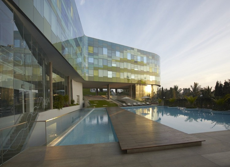 Vivanta Hotel, Bangalore, India / WOW Architects