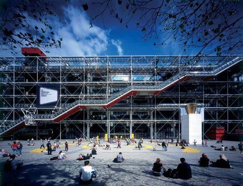 Centre Pompidou, by Renzo Piano and RIchard Rogers. © conservapedia.com
