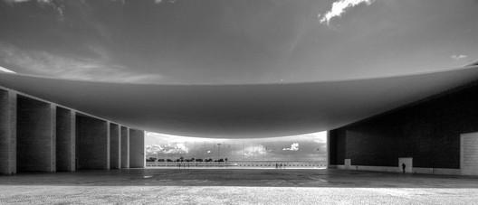 Pavilhão de Portugal by Alvaro Siza © Flickr User paulu