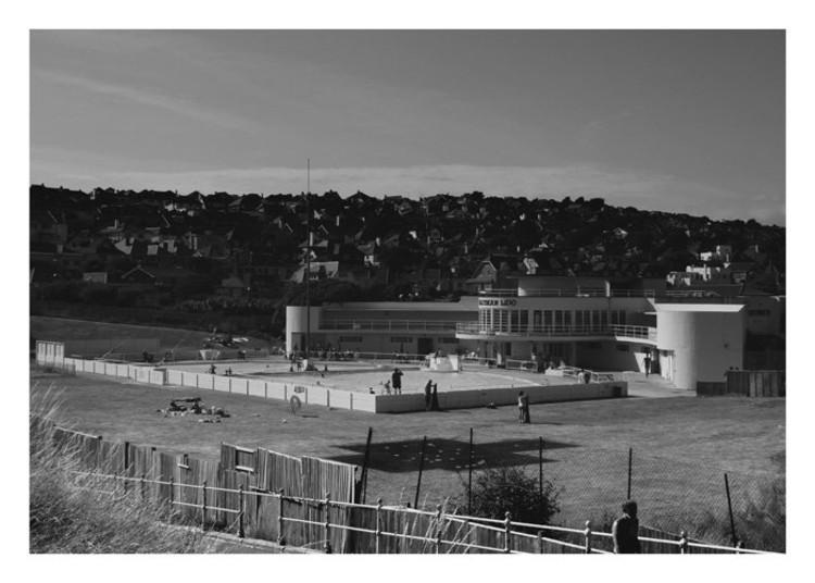 Saltdean Lido, Saltdean (1939) / R.W.H. Jones © Niels Lehmann