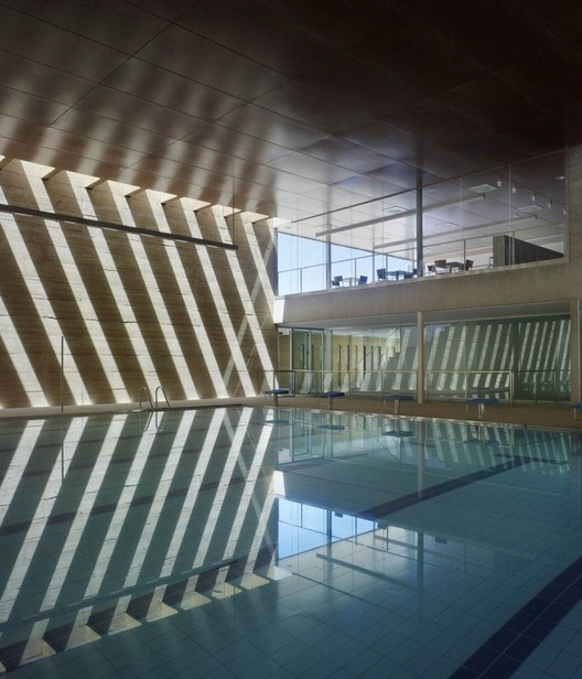 Indoor Swimming Pool in Toro / Vier Arquitectos © Héctor Fernández Santos-Díez