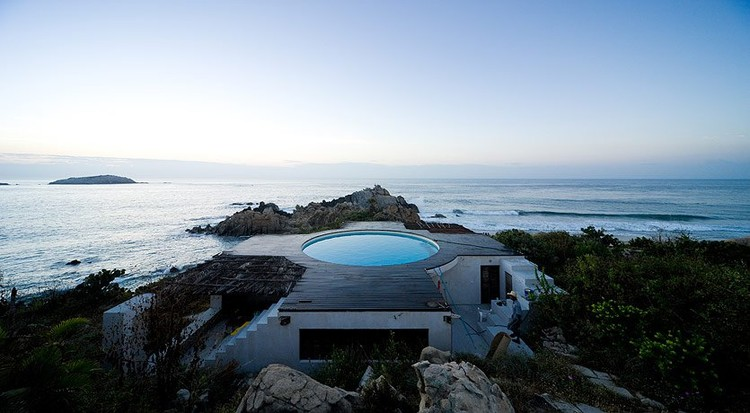 Observatory House / Gabriel Orozco and Tatiana Bilbao © Iwan Baan
