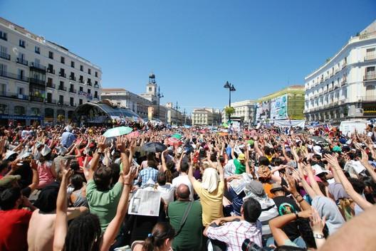 Indignados taking back the square in Madrid © Jesus Solana