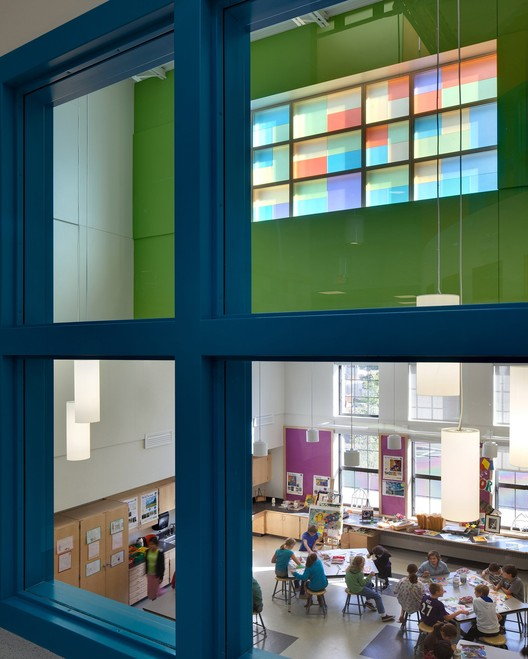 McAuliffe Elementary School: Concord, NH / HMFH Architects; Photographs: © 2012 Ed Wonsek