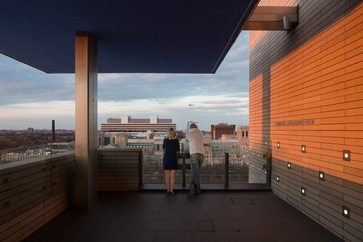 10th Floor Terrace © Tom Rossiter