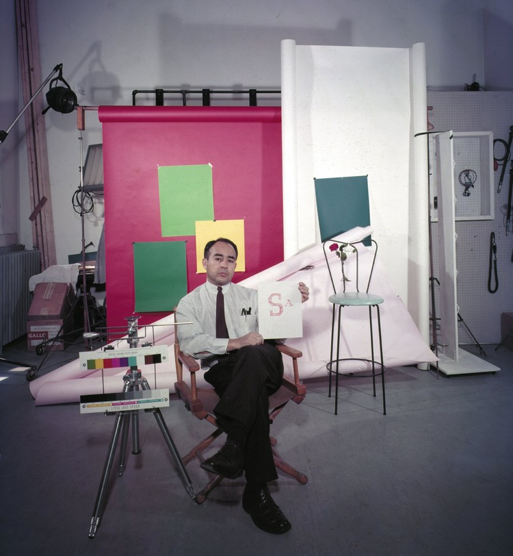 Self Portrait, Manhattan studio, 1950 © Pedro E. Guerrero, Courtesy Edward Cella Art+Architecture