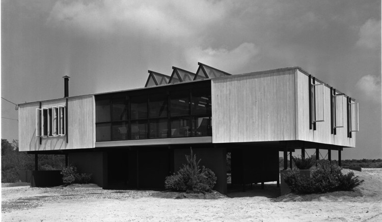 Bruce Graham House, Bruce Graham Architect, 1963, Rehobeth Beach, DL © Pedro E. Guerrero, Courtesy Edward Cella Art+Architecture