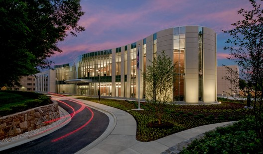 National Intrepid Center of Excellence (NICoE); Bethesda, MD / SmithGroupJJR