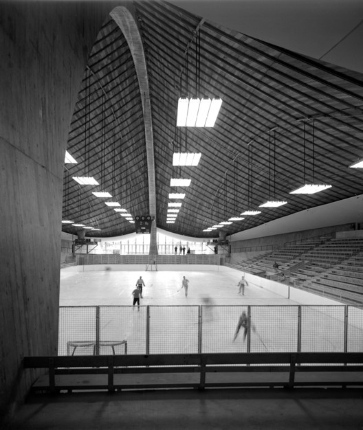 Yale Hockey Rink, Eero Saarinen Architect, 1958, New Haven, CT © Pedro E. Guerrero, Courtesy Edward Cella Art+Architecture