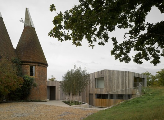 Private house East Sussex / Duggan Morris Architects © James Brittain