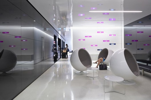 HyundaiCard Airport Lounge in Incheon International Airport, South Korea / Gensler - Image courtesy of Ryan Gobuty / Gensler.