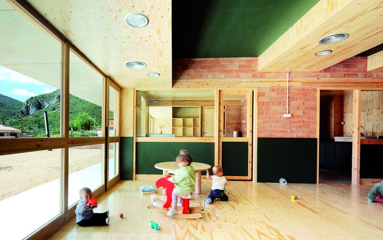 Nursery School in Pratdip / Núria Salvadó and David Tapias; © José Hevia