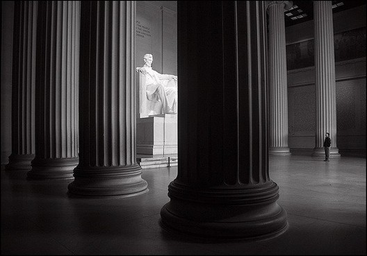 The Lincoln Memorial. CC Flickr User anjan58