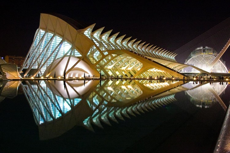 City of Arts and Sciences, Valencia, Spain via designsdelis.blogspot.com