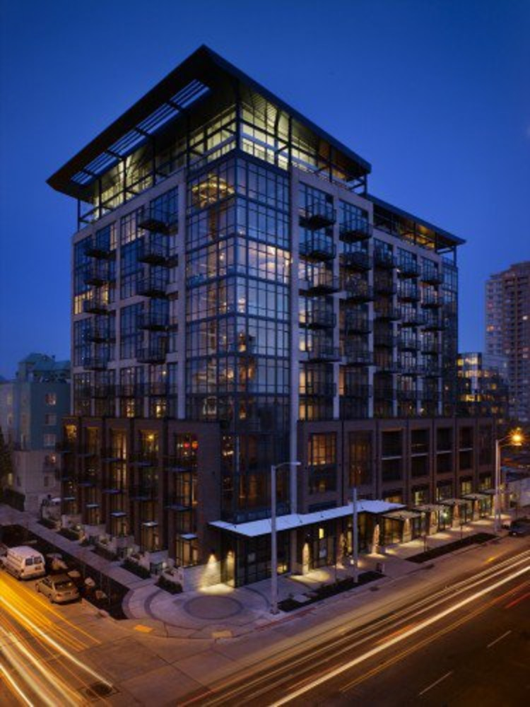 The first LEED Silver Condos in Seattle, by Mithun. ©Benjamin Benschneider