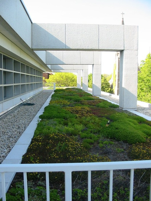 Skokie Public Library Green Roof © Skokie Public Library