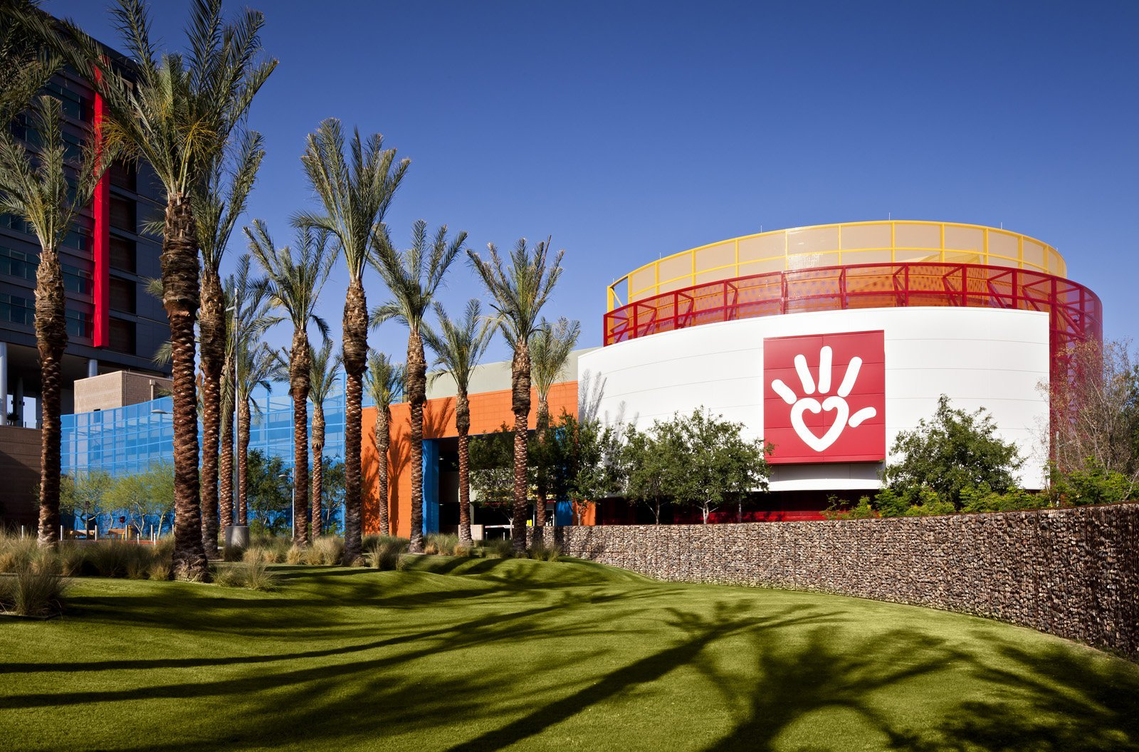 Gallery of Phoenix Children's Hospital / HKS Architects - 28