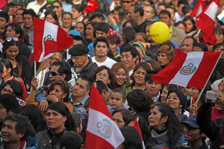 Celebración de Fiestas Patrias peruanas en Santiago de Chile (2013). Image © Municipalidad de Santiago [Flickr CC]