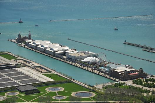 Existing Image of the Navy Pier © Stephen Hanafin via flickr - http://www.flickr.com/photos/shanafin/