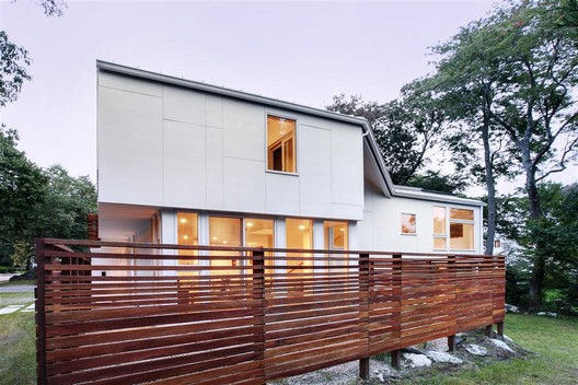 Braver House, a prototypical alternative to the inflated suburban house / courtesy of SsD