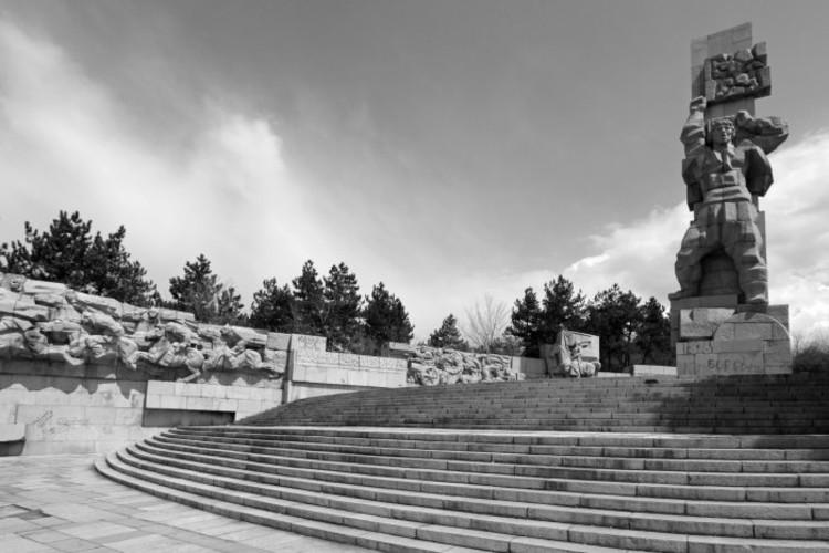 memorial complex apriltzi panagyurishte, 1976