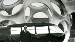 Video: Norman Foster Recreates Buckminster Fuller's Dymaxion Car