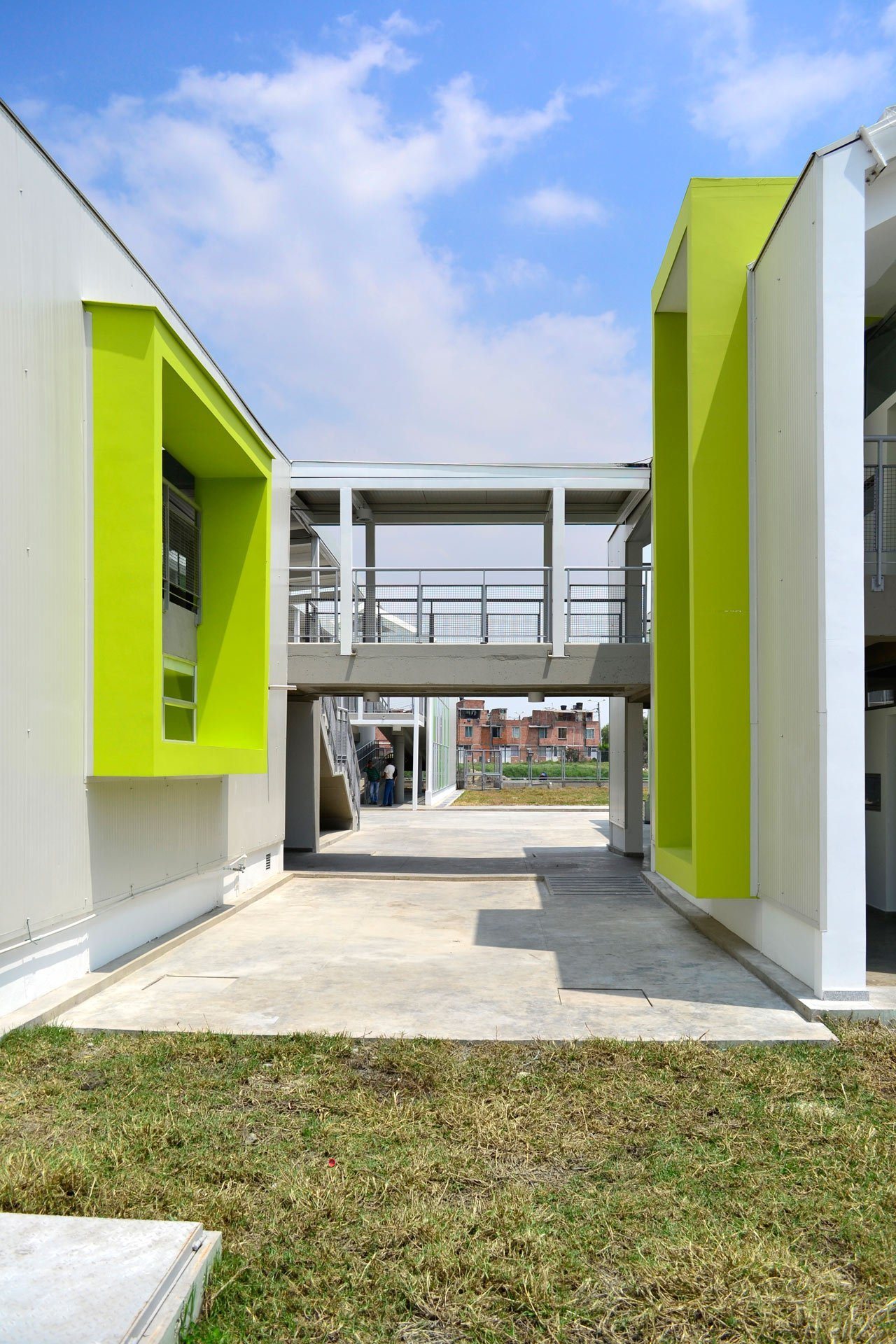 Gallery of el caracol kindergarten demos arquitectos 9 for Caracoles de jardin