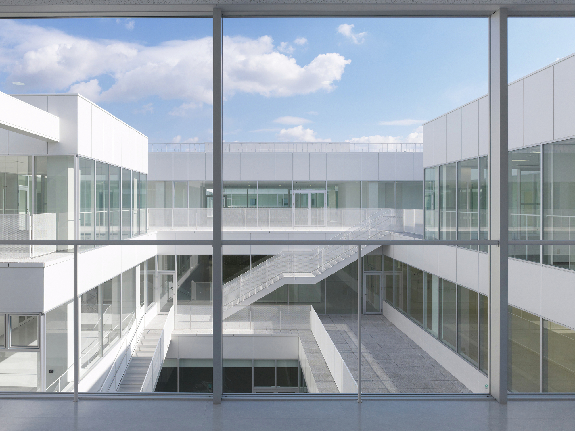 Setsunan university hirakata ishimoto architectural for Architecture and engineering firms