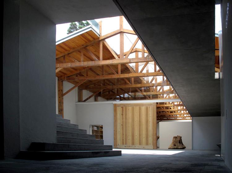 Kurimanzutto Gallery / TAX (Alberto Kalach)